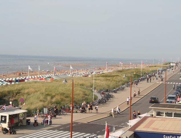 The Katwijk Boulevard to the north summer 2008
